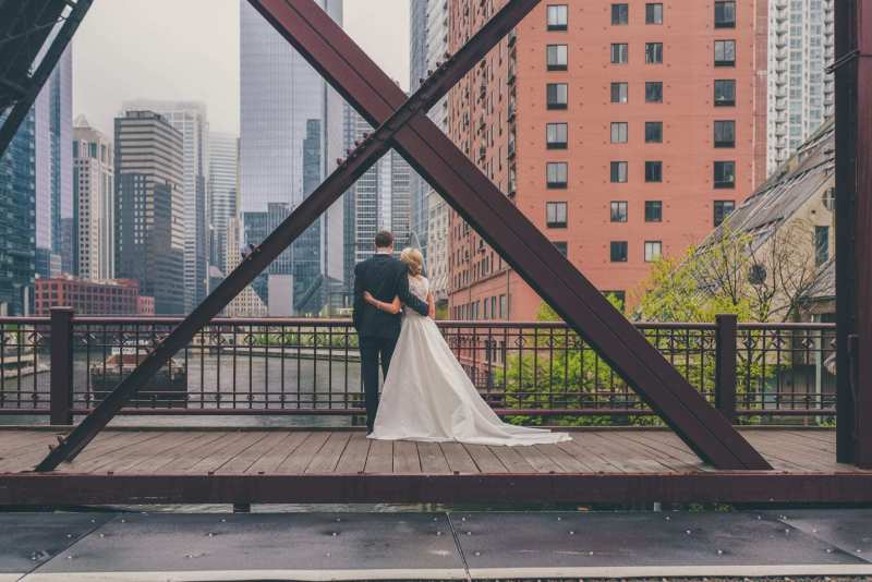 carolyn-and-mike_skyline-loft_chicago_8