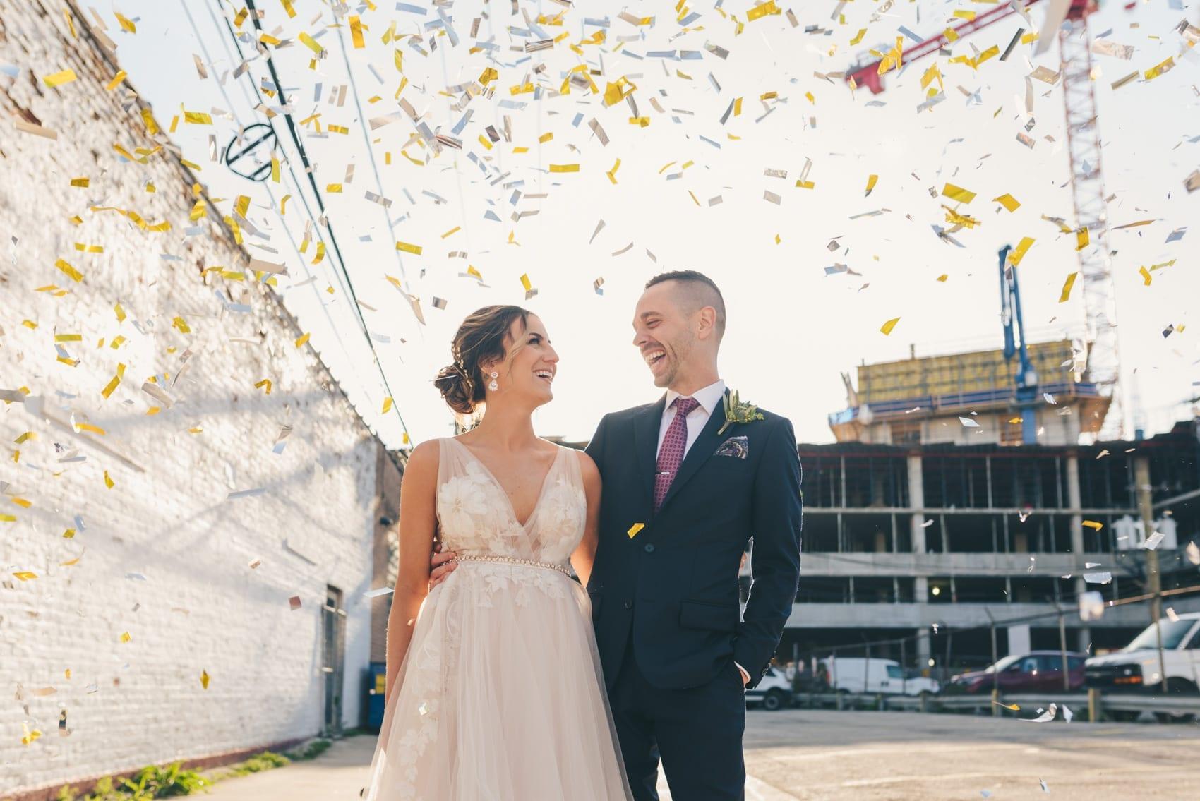 Thara Photo Chicago Summer Wedding Photographer Brique West Loop Downtown