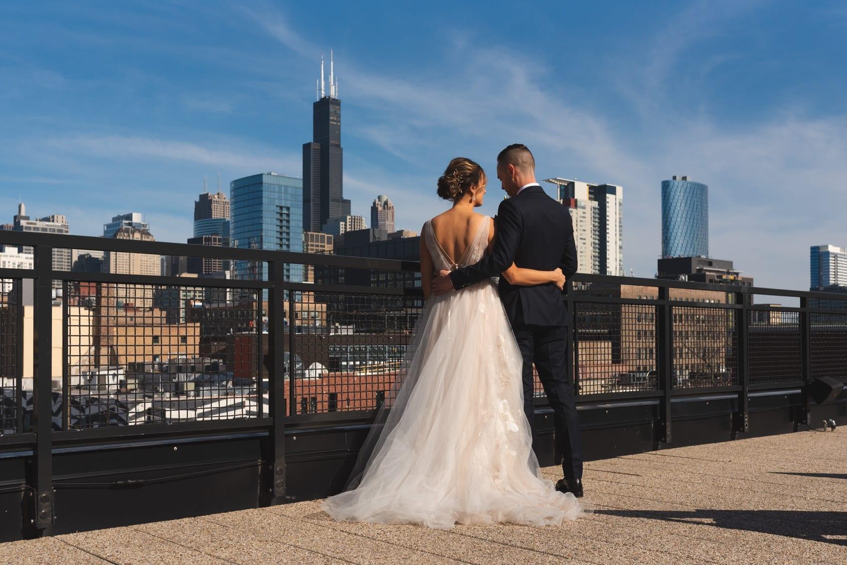 Thara Photo Chicago Wedding Photographer Engagement Photographer Ace Hotel Summer