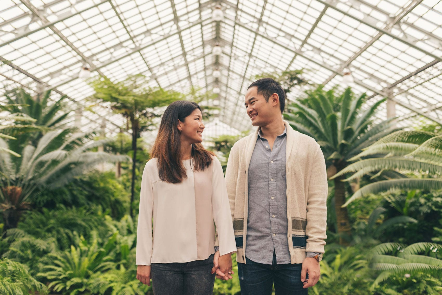 Thara Photo Chicago Engagement Photographer Garfield Park Conservatory