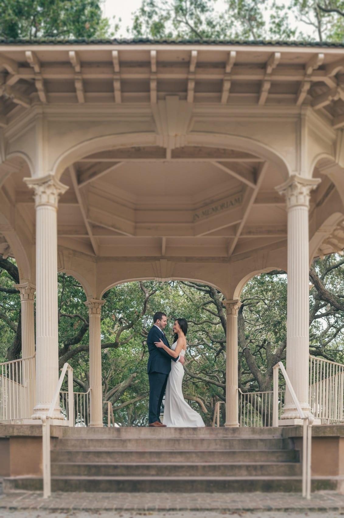 Thara Photo Chicago Engagement Wedding Photographer